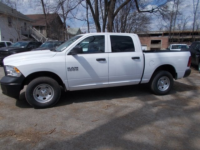 2018 Ram 1500 Crew Cab 4x4,  Pickup #180334 - photo 5