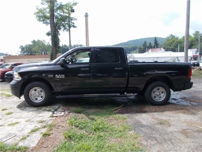 2018 Ram 1500 Crew Cab 4x4,  Pickup #180590 - photo 5