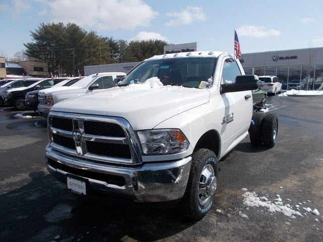 2018 Ram 3500 Regular Cab DRW 4x4,  Cab Chassis #180772 - photo 4