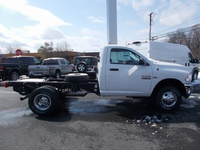 2018 Ram 3500 Regular Cab DRW 4x4,  Cab Chassis #180772 - photo 6