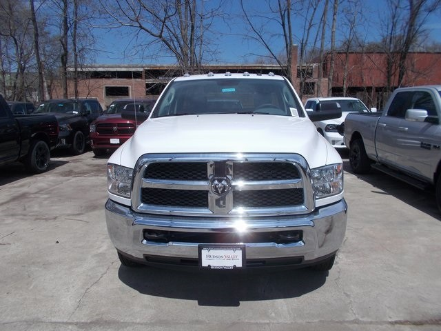 2018 Ram 3500 Regular Cab DRW 4x4,  Cab Chassis #180785 - photo 3