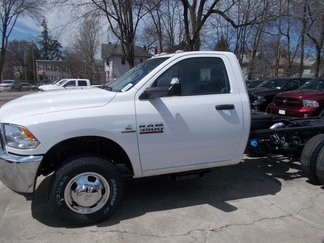 2018 Ram 3500 Regular Cab DRW 4x4,  Cab Chassis #180785 - photo 6