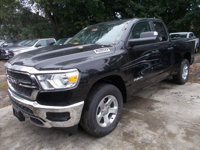 2019 Ram 1500 Quad Cab 4x4,  Pickup #190137 - photo 4