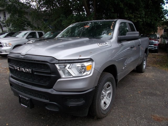 2019 Ram 1500 Quad Cab 4x4,  Pickup #190173 - photo 4