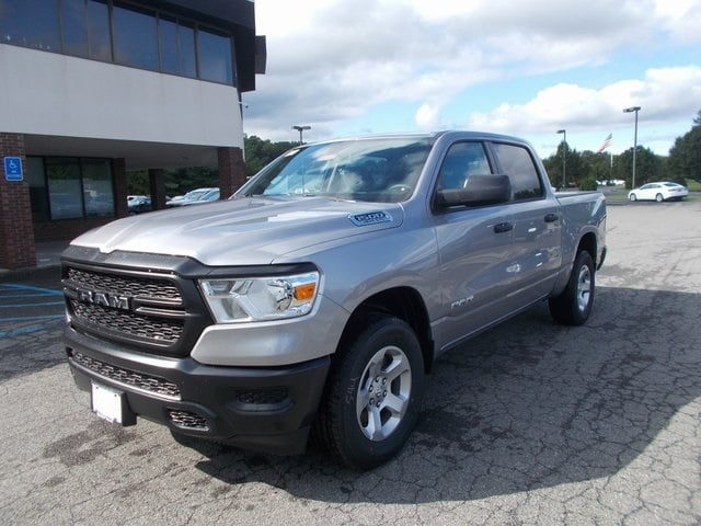 2019 Ram 1500 Crew Cab 4x4,  Pickup #190187 - photo 4