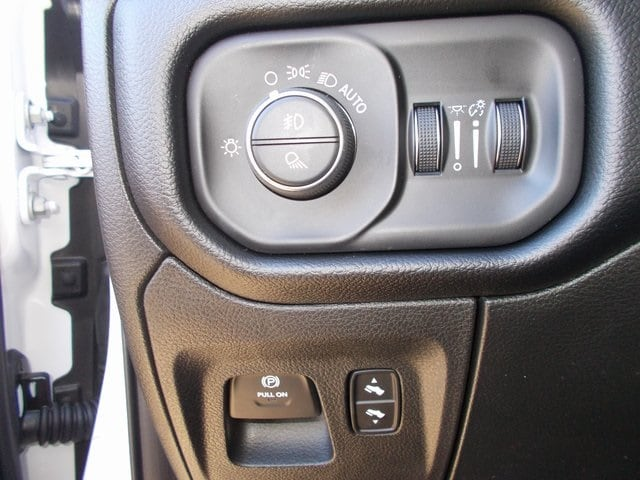 2019 Ram 1500 Crew Cab 4x4,  Pickup #190342 - photo 18