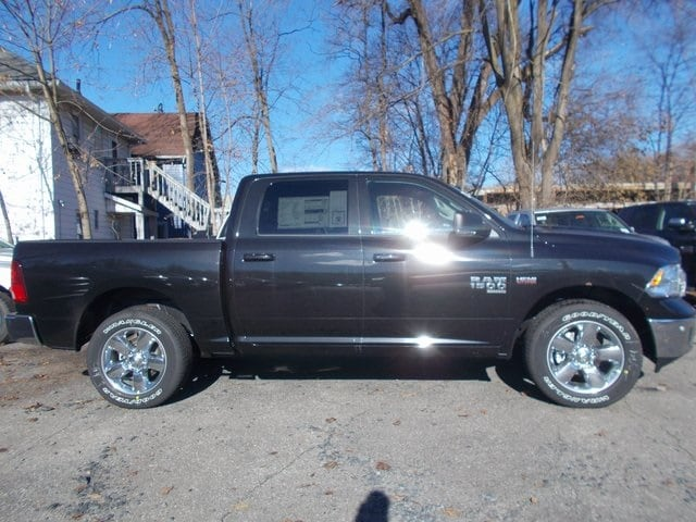 2019 Ram 1500 Crew Cab 4x4,  Pickup #190348 - photo 5