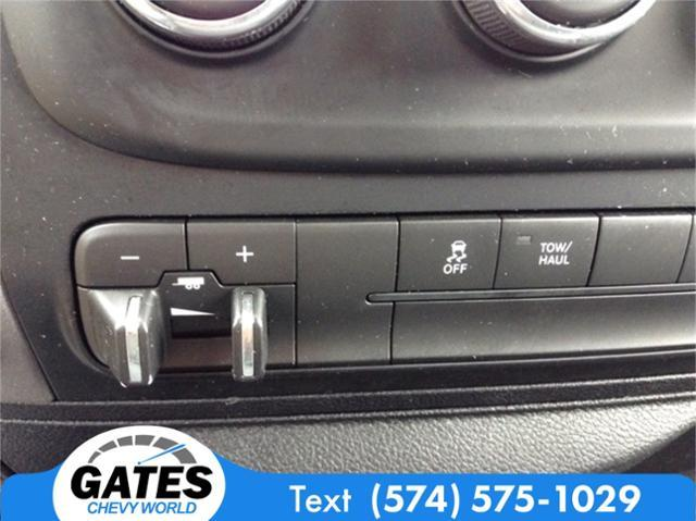 2017 Ram 1500 Crew Cab 4x4, Pickup #M4576P - photo 14