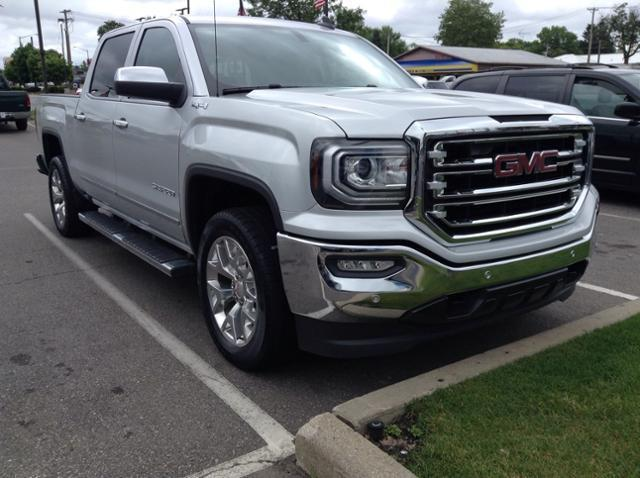 2017 GMC Sierra 1500 Crew Cab 4x4, Pickup #M4964P - photo 1