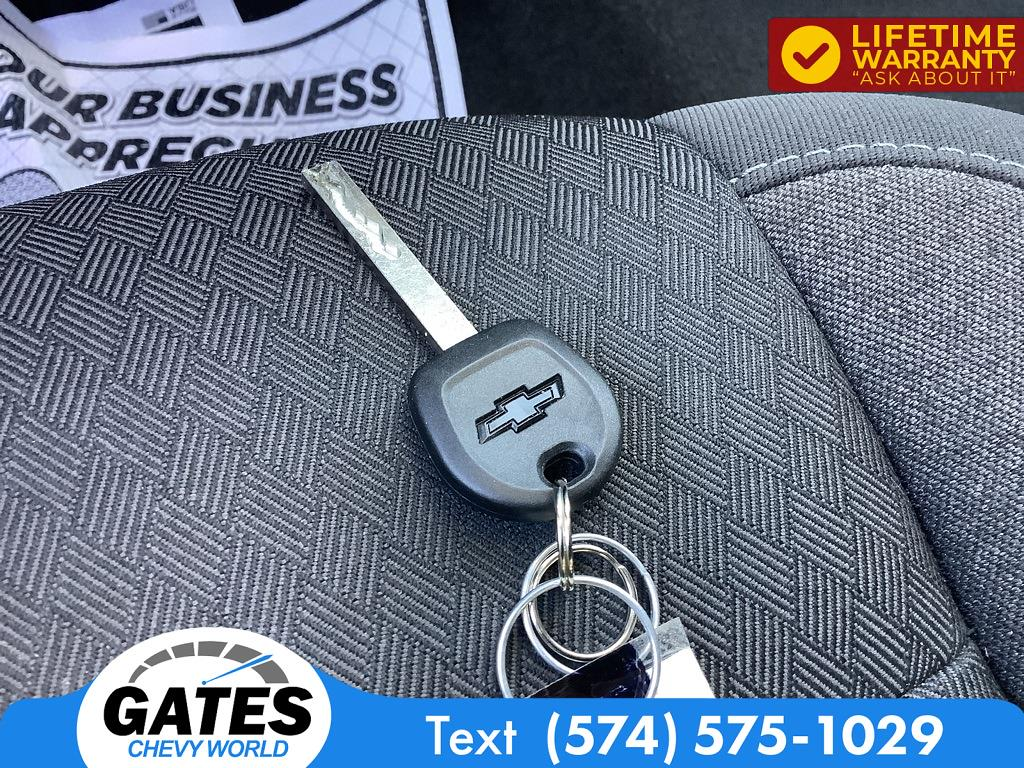 2020 Chevrolet Silverado 1500 Double Cab 4x4, Pickup #M5763P - photo 12