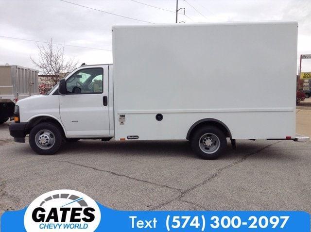 2020 Chevrolet Express 3500 4x2, Cutaway Van #M6741 - photo 5