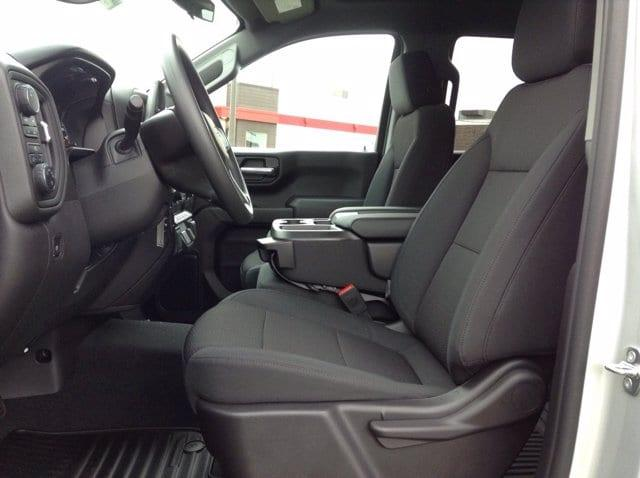 2020 Chevrolet Silverado 1500 Crew Cab 4x4, Pickup #M6949 - photo 9