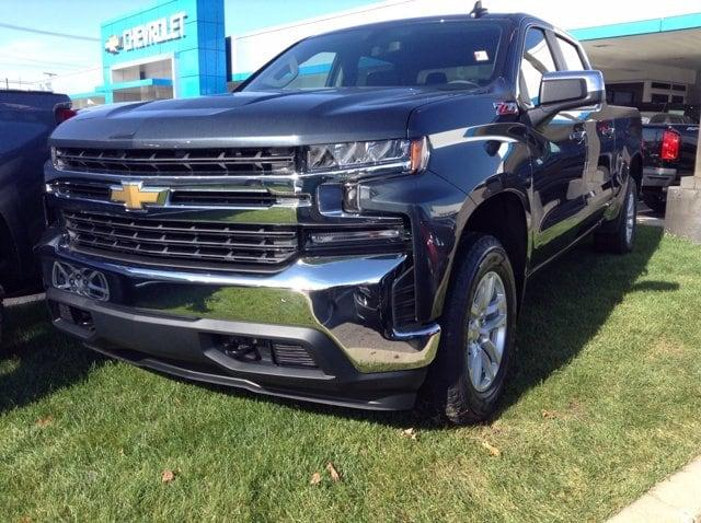 2021 Chevrolet Silverado 1500 Crew Cab 4x4, Pickup #M6990 - photo 1