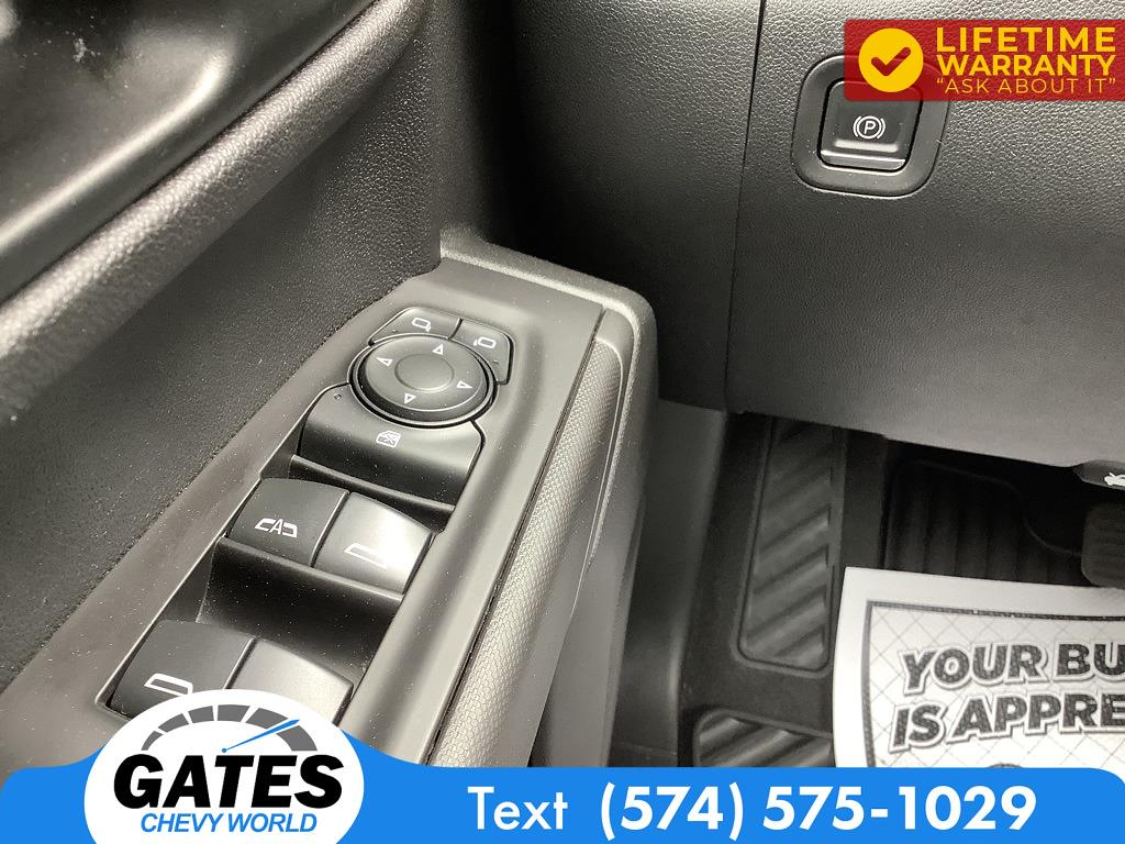 2019 Chevrolet Silverado 1500 Crew Cab 4x4, Pickup #M7523A - photo 8