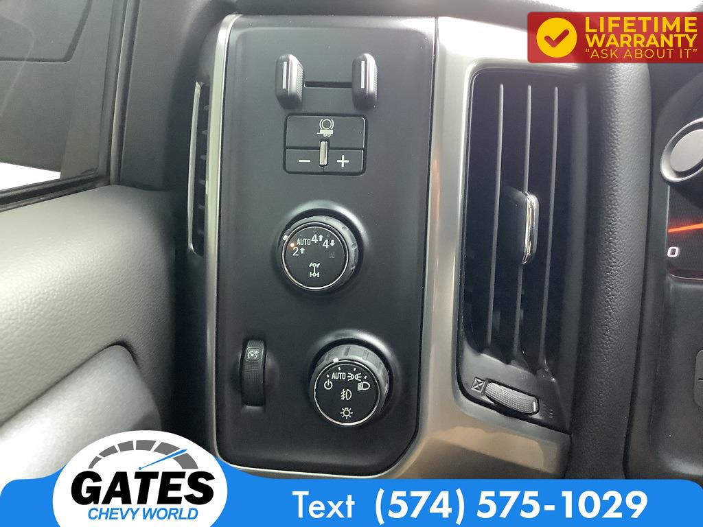 2018 Chevrolet Silverado 1500 Crew Cab 4x4, Pickup #M7637A - photo 11