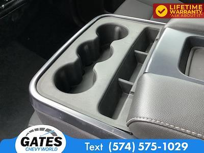 2018 Chevrolet Silverado 1500 Crew Cab 4x4, Pickup #M7637A - photo 16