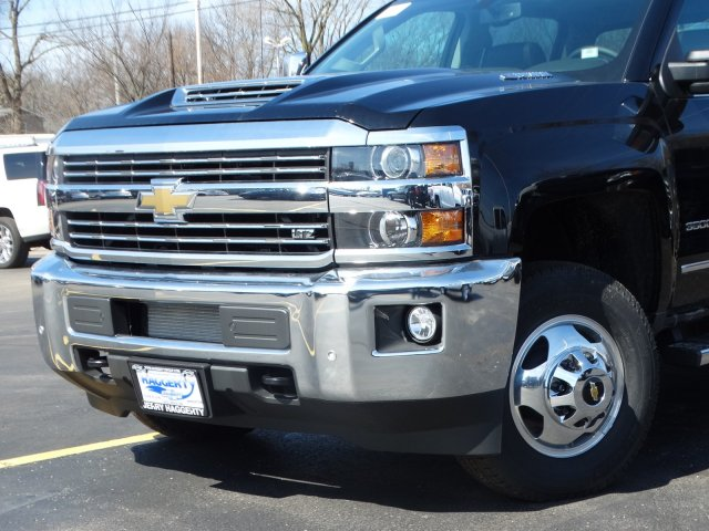 2019 Silverado 3500 Crew Cab 4x4,  Pickup #66441 - photo 3