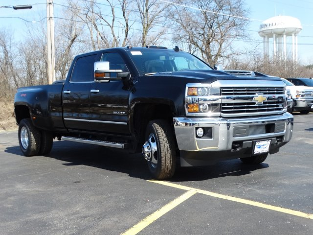 2019 Silverado 3500 Crew Cab 4x4,  Pickup #66441 - photo 5