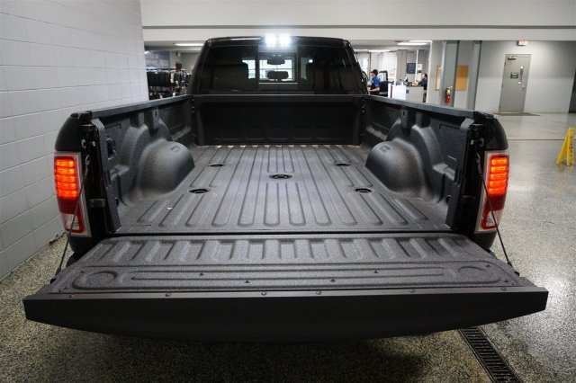 2018 Ram 3500 Crew Cab DRW 4x4, Pickup #D182209 - photo 19