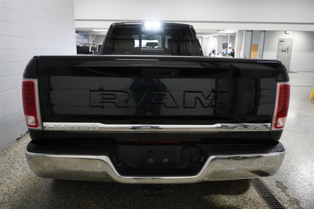 2018 Ram 3500 Crew Cab DRW 4x4, Pickup #D182209 - photo 6
