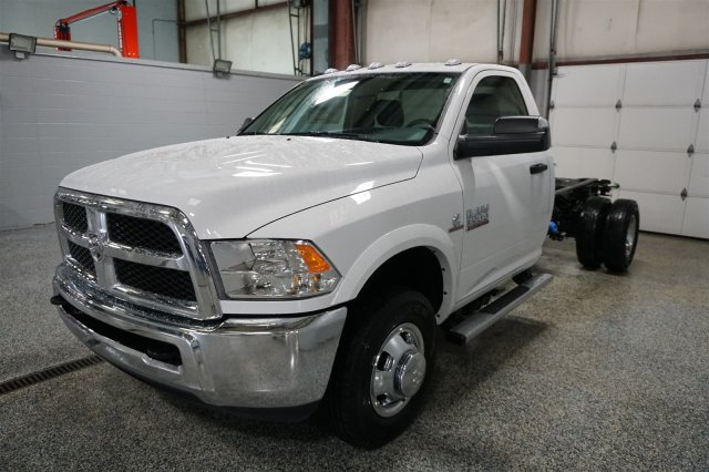 2018 Ram 3500 Regular Cab DRW 4x4, Cab Chassis #D182210 - photo 4