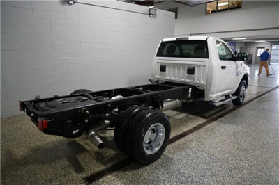 2018 Ram 3500 Regular Cab DRW 4x4, Cab Chassis #D182210 - photo 2