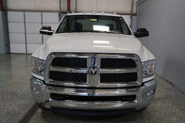 2018 Ram 3500 Regular Cab DRW 4x4, Cab Chassis #D182238 - photo 3
