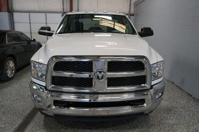 2018 Ram 3500 Regular Cab DRW 4x4, Cab Chassis #D182262 - photo 3