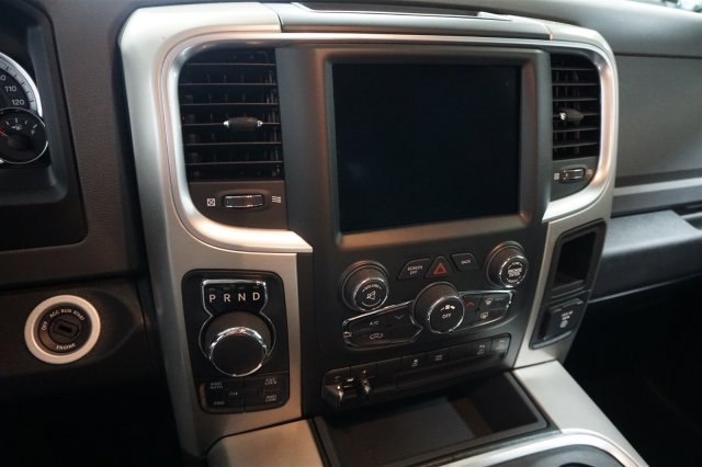 2018 Ram 1500 Crew Cab 4x4, Pickup #D182340 - photo 15