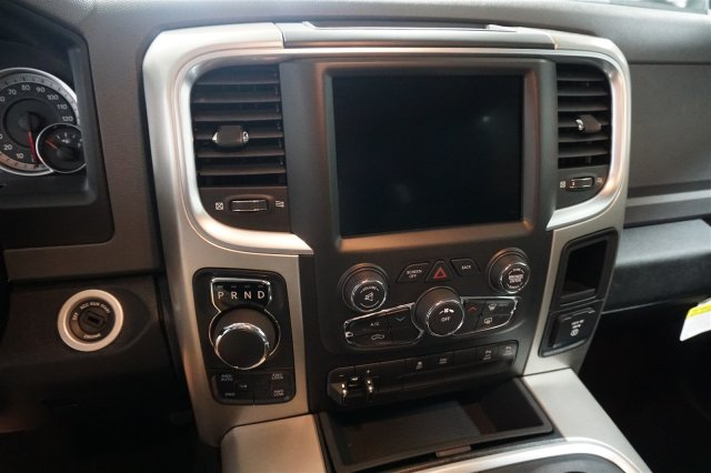 2018 Ram 1500 Crew Cab 4x4,  Pickup #D182362 - photo 15