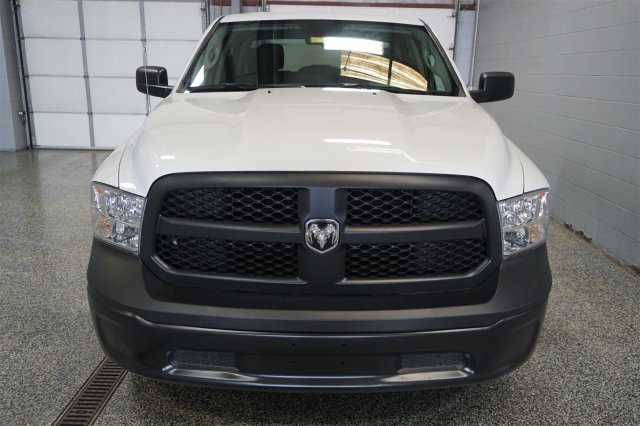 2018 Ram 1500 Crew Cab 4x4,  Pickup #D182437 - photo 3