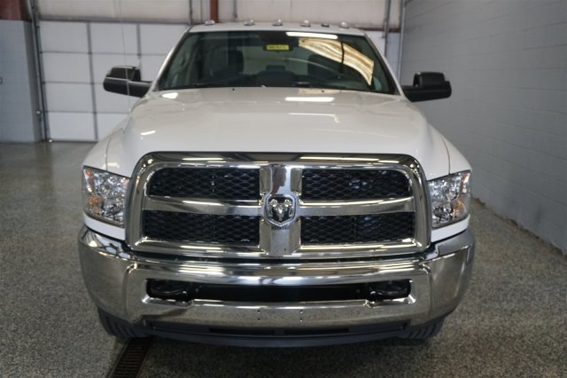 2018 Ram 2500 Crew Cab 4x4,  Pickup #D182613 - photo 3