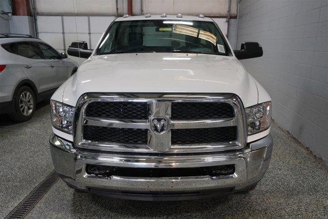 2018 Ram 3500 Regular Cab DRW 4x4,  Cab Chassis #D182683 - photo 3