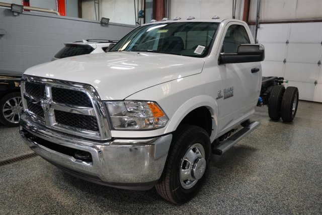 2018 Ram 3500 Regular Cab DRW 4x4,  Cab Chassis #D182683 - photo 4