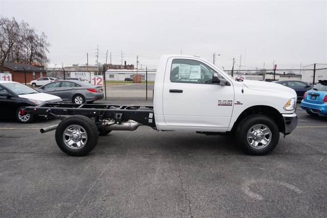 2018 Ram 3500 Regular Cab 4x4,  Cab Chassis #D182771 - photo 6