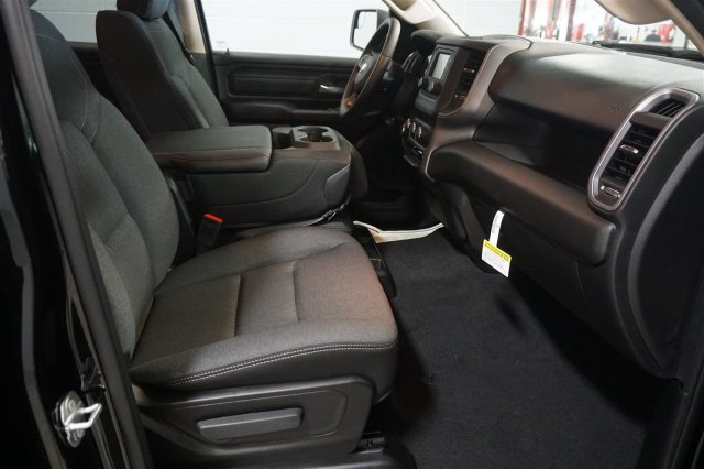2019 Ram 1500 Crew Cab 4x4,  Pickup #D190133 - photo 18
