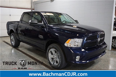 2018 Ram 1500 Crew Cab 4x4, Pickup #FD182032 - photo 1