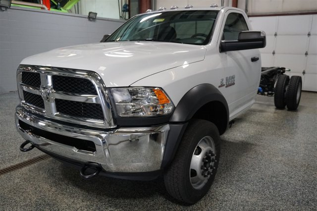 2018 Ram 5500 Regular Cab DRW 4x4, Cab Chassis #FD182175 - photo 4