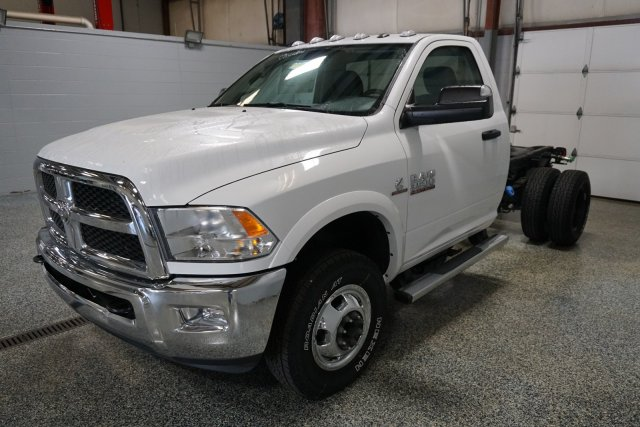 2017 Ram 3500 Regular Cab DRW 4x4, Cab Chassis #FD575017 - photo 4