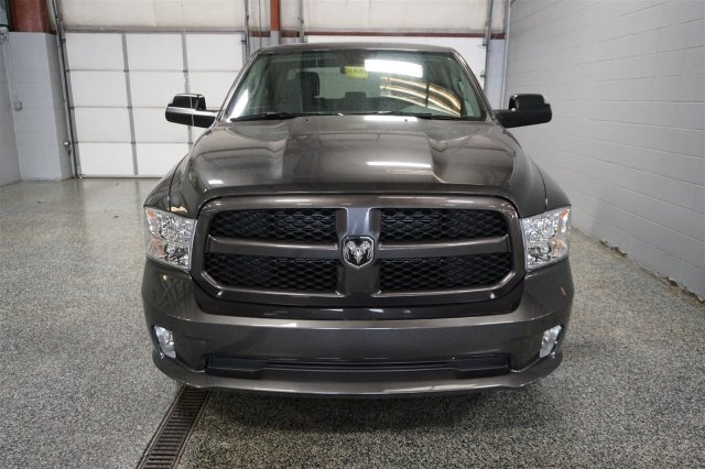 2017 Ram 1500 Crew Cab 4x4, Pickup #FD580837 - photo 3
