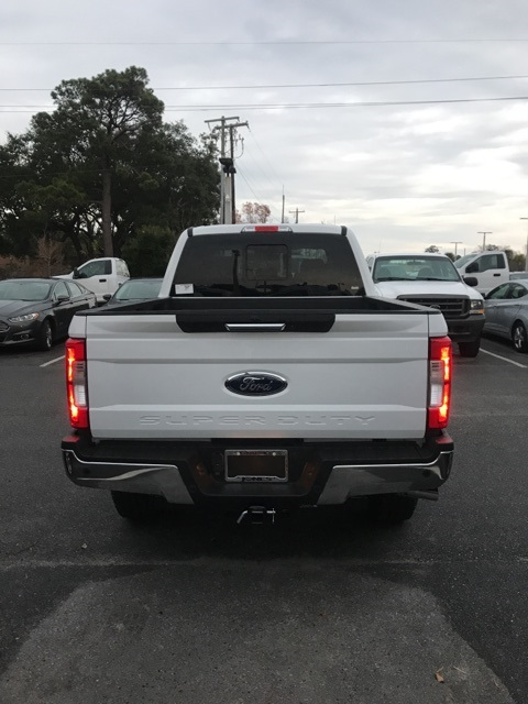 2017 F-250 Crew Cab 4x4, Pickup #HEF29733 - photo 3
