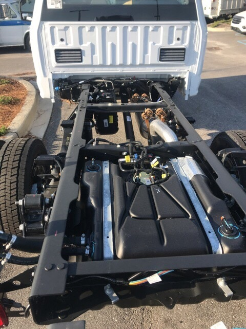 2017 F-550 Regular Cab DRW 4x4, Cab Chassis #HEF42263 - photo 9