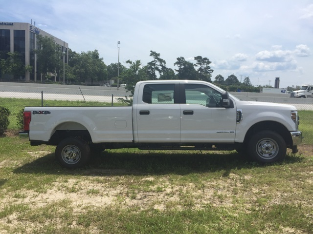 2018 F-250 Crew Cab 4x4,  Pickup #JEB67597 - photo 1
