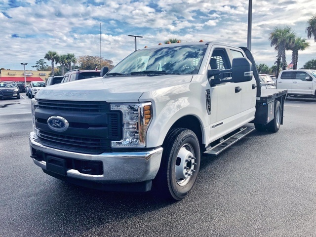 2018 F-350 Crew Cab DRW 4x2,  Knapheide Value-Master X Platform Body #JEC21715 - photo 9
