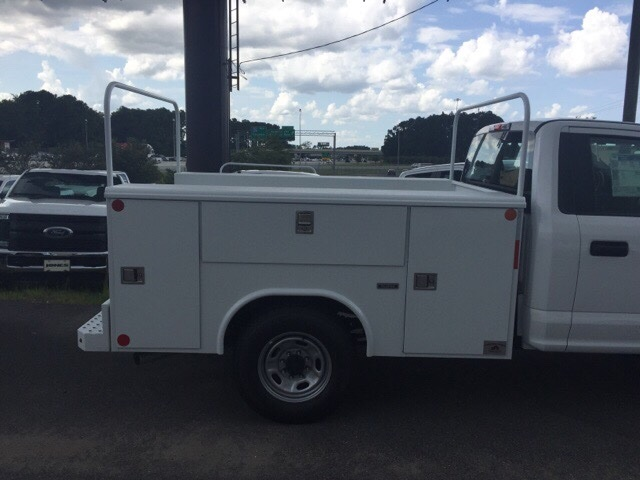 2018 F-250 Regular Cab 4x2,  Reading Service Body #JEC73944 - photo 6