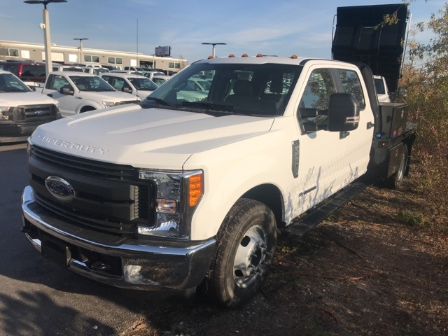 2017 F-350 Crew Cab DRW 4x2,  Platform Body #PHEF23558 - photo 4