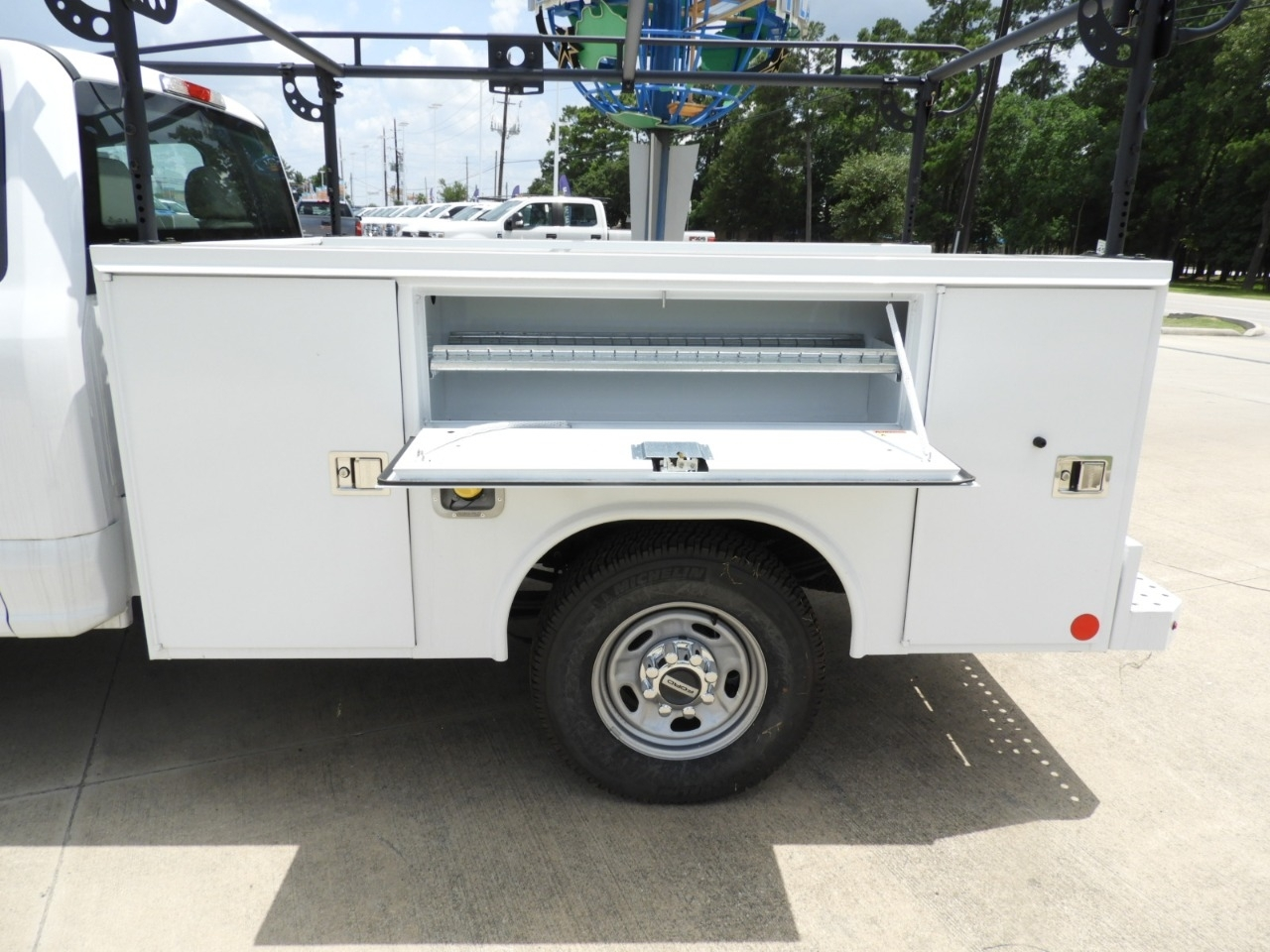 2018 F-250 Regular Cab 4x2,  Reading SL Service Body #J6326 - photo 8