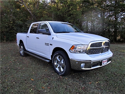 2018 Ram 1500 Crew Cab 4x4, Pickup #14637 - photo 4
