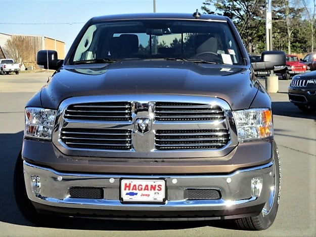 2018 Ram 1500 Crew Cab 4x4, Pickup #14723 - photo 3