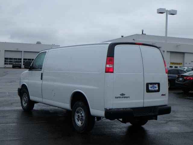 2019 Savana 2500 4x2,  Empty Cargo Van #89120 - photo 5